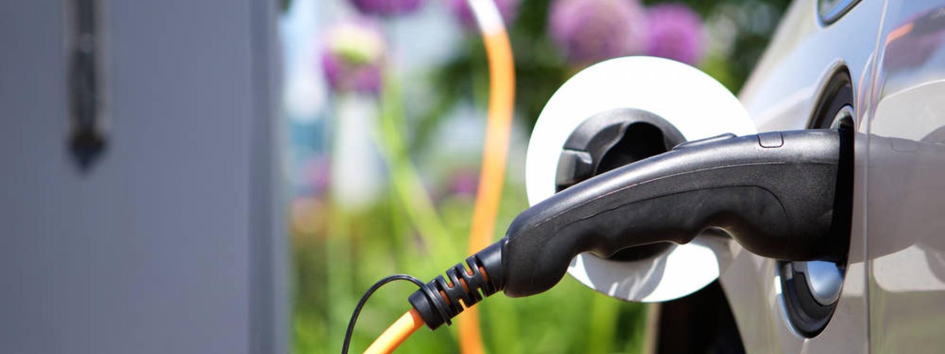 Installateur mise en service borne charge VE